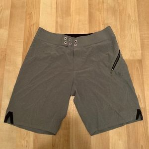 Lululemon men's swim board shorts size 34